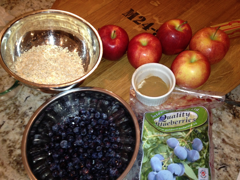 Apple Blueberry crisp (1/4)